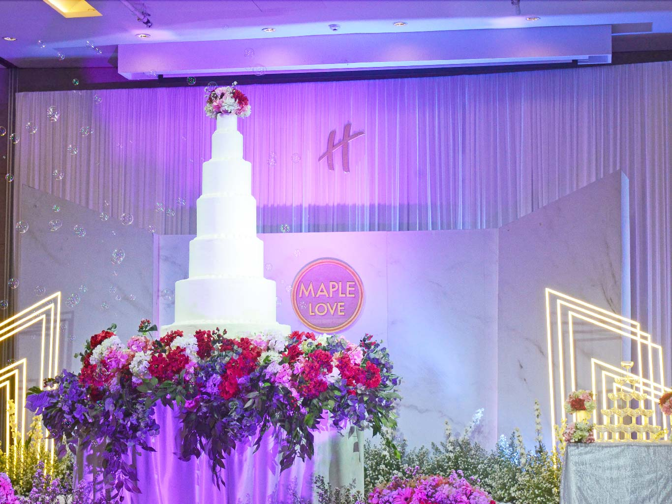 Wedding at Holiday Inn Bangkok Sukhumvit